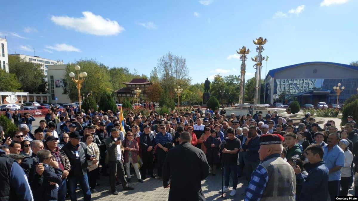 Элиста, протест, днр, трапезников, скандал, россия, донбасс, митинг, калмыкия, новости