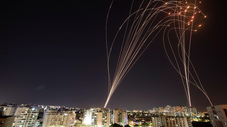 """По Израилю выпустили 1 тыс. ракет – арабских граждан призвали к """"восстанию"""""""