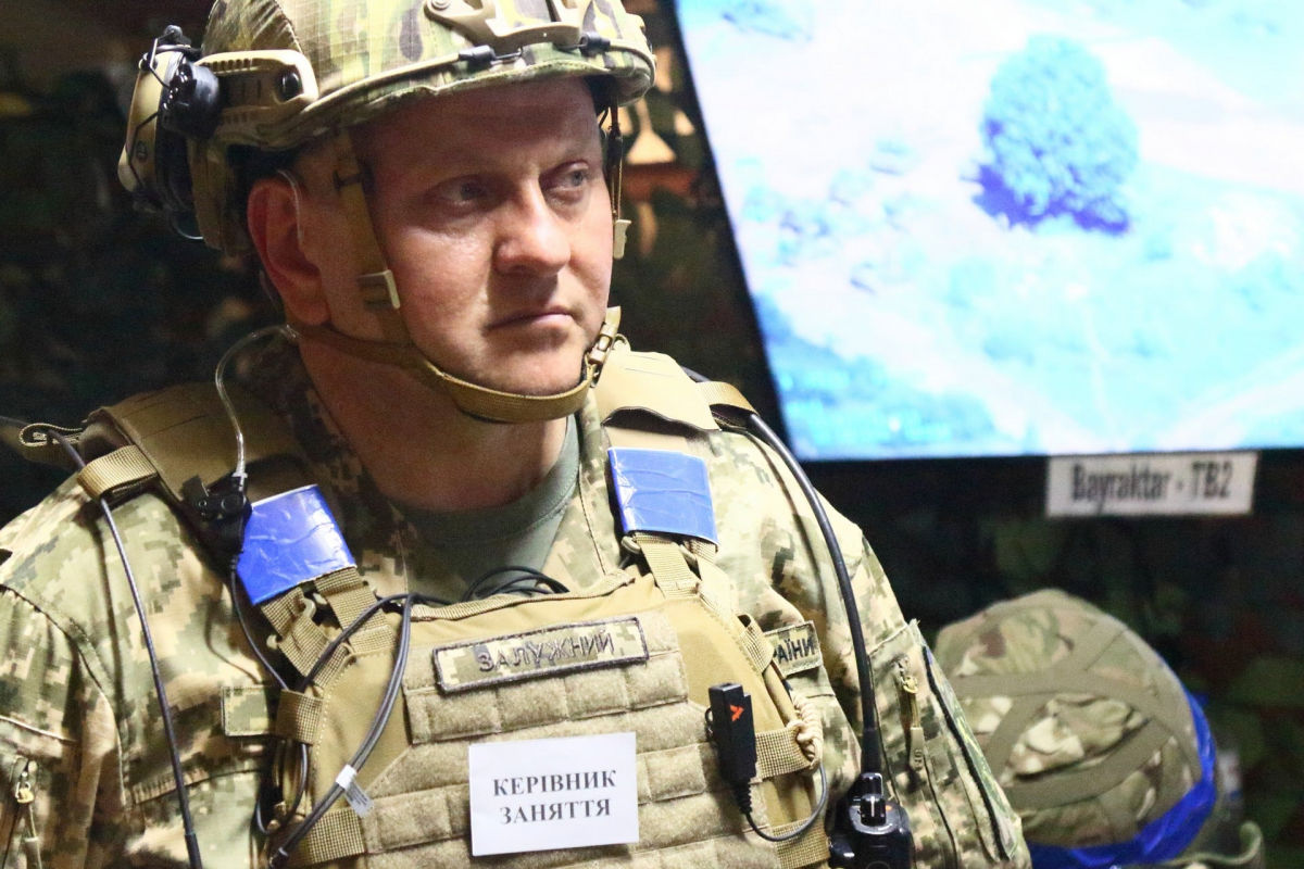 В Ровненской области проходят военные учения с применением Bayraktar TB2: опубликовано захватывающее видео