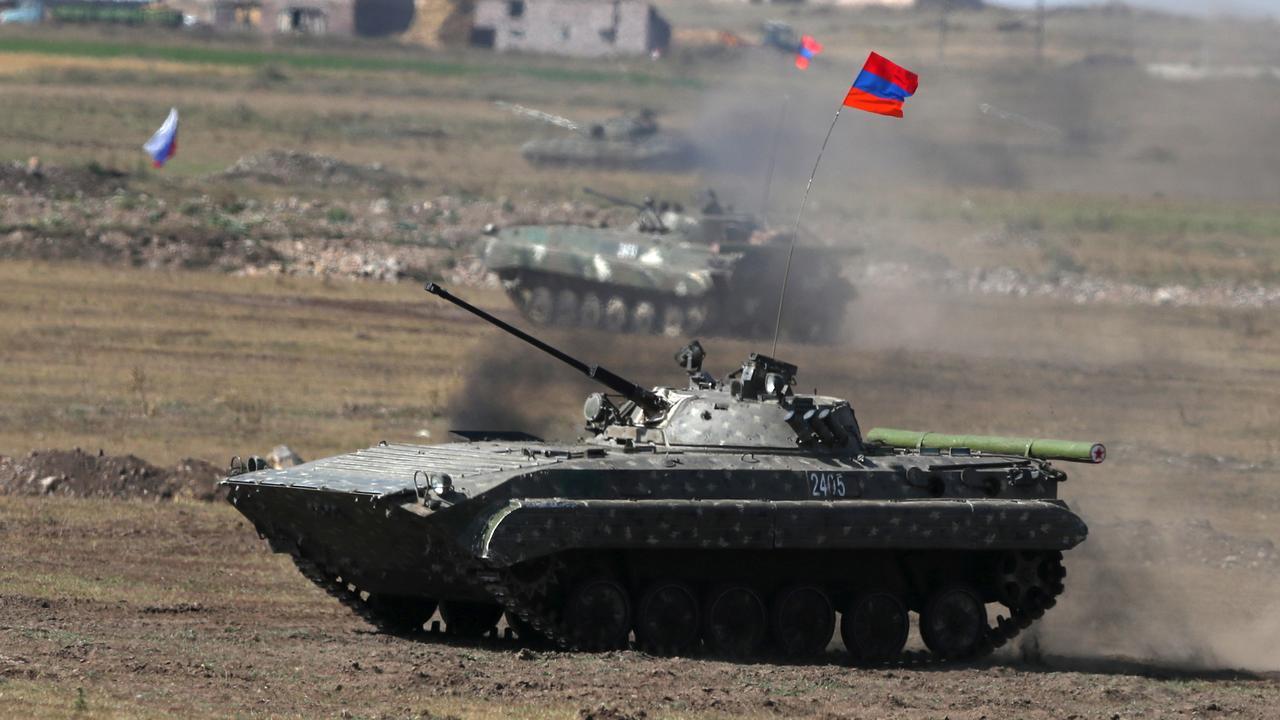 """Сазонов о решении Кремля вмешаться в войну в Карабахе: """"Козырные карты на руках Турции с Азербайджаном"""""""