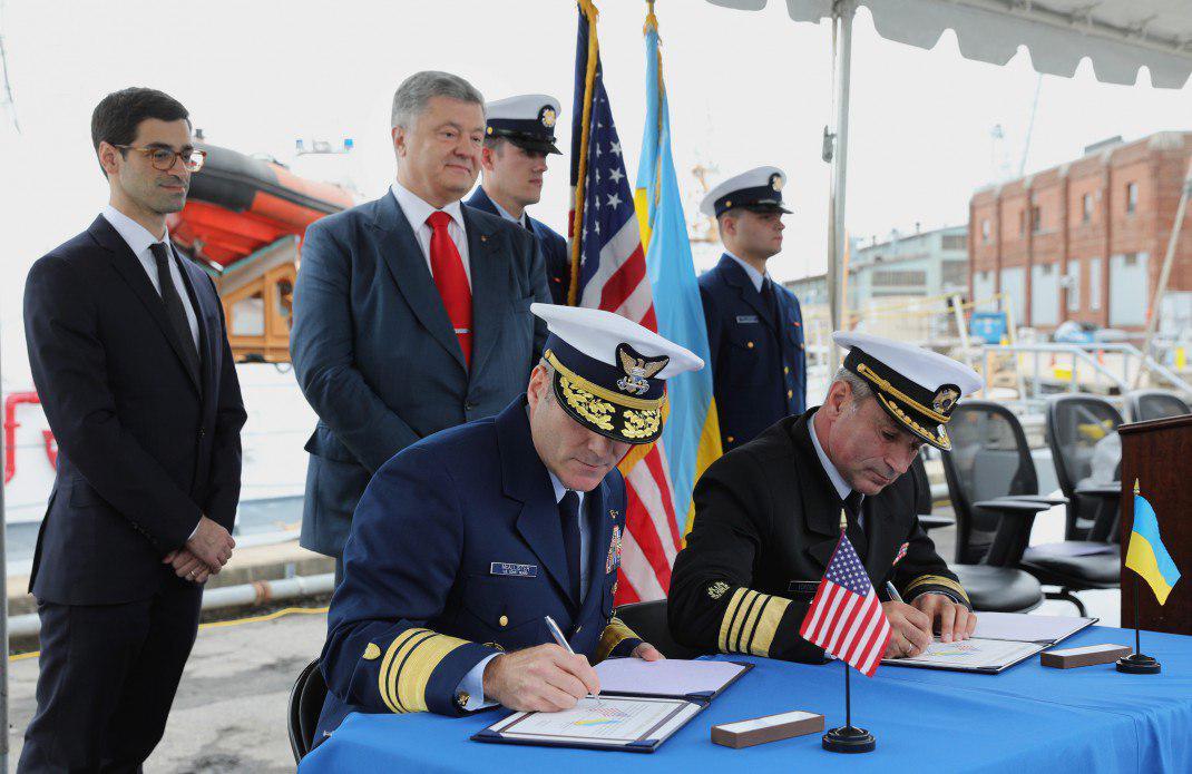 Состоялась передача двух боевых катеров Island, которые стали подарком от американских партнеров, – кадры