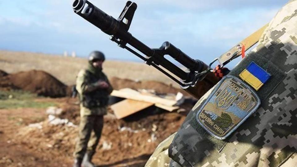 """Грузовик ВСУ подорвался на Донбассе: """"Есть раненые и травмированные"""""""