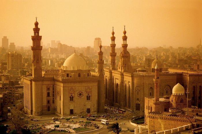 Смертник совершил кровавый теракт у мечети в Багдаде - число погибших превысило 25 человек