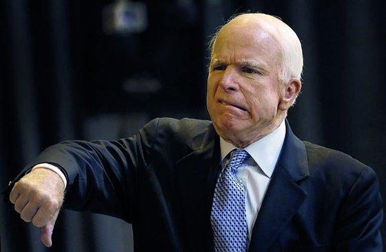 Путин впервые ответил на жесткую критику Маккейна: что сказал хозяин Кремля сенатору