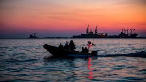 Кремль испугался - Россия отступает от берегов Азовского моря