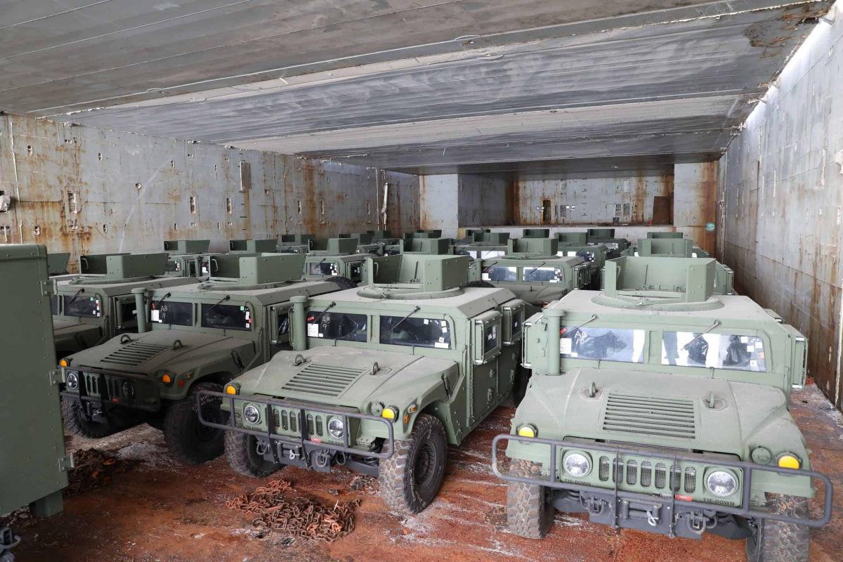 Байден обещал – Байден делает: Украина получила из США 350 тонн военной техники и армейского снаряжения