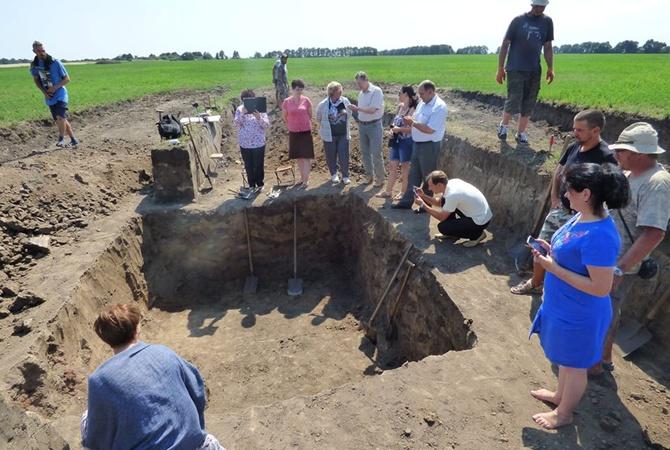 Сенсационные раскопки украинских археологов: в Полтавской области найдено крупнейшее скифское городище в Восточной Европе, некоторые находки поистине уникальны - кадры