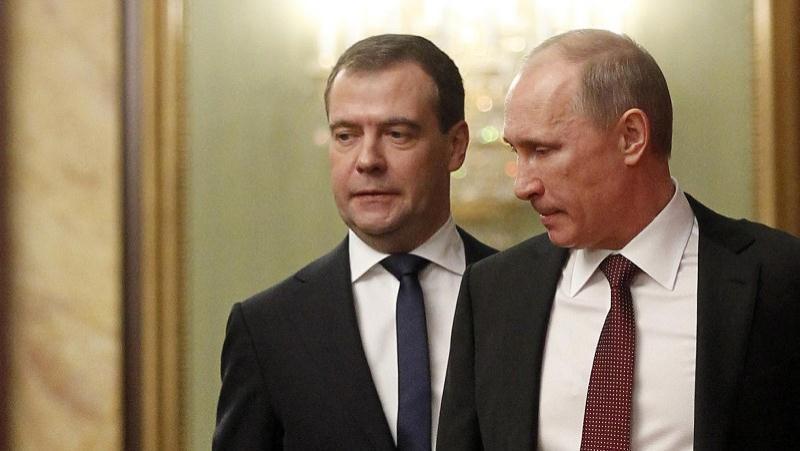 """Диктатор Путин теряет власть, Медведев остается """"грушей для битья"""": кромешная безысходность, охватившая Россию, будет длиться вечно - эксперт"""