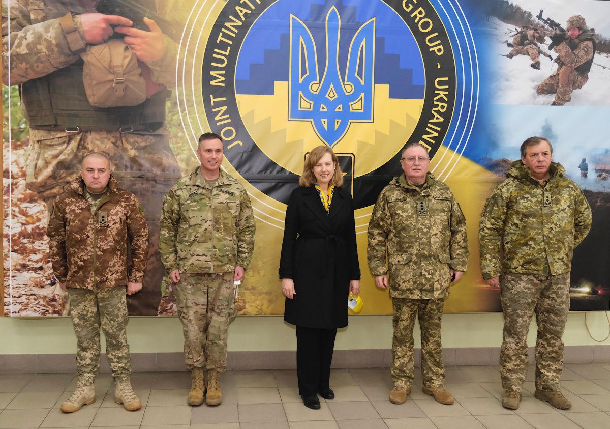 Байден усиливает поддержку Украины: Киев дополнительно получит от США военную помощь на 150 млн долл.
