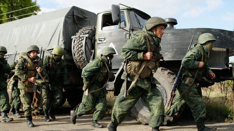 """""""Я русский. Я молод. Что мне делать, если меня обяжут ехать на войну в Украину?"""" - блогер"""