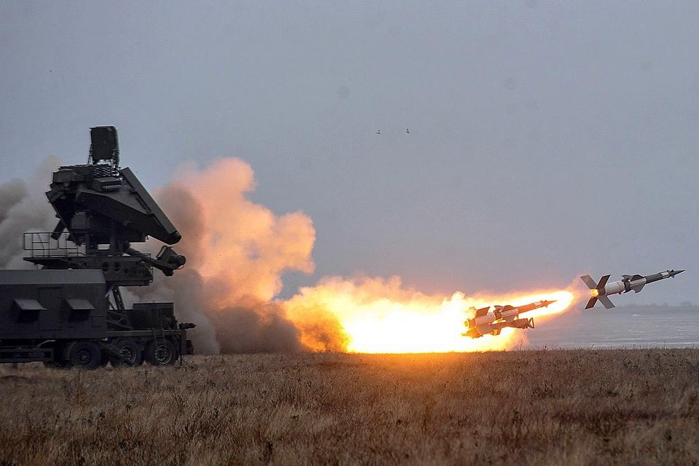 ВСУ провели боевые пуски новой ЗРК С-125 и превратили в груду металла корабль весом в 3 тыс. тонн
