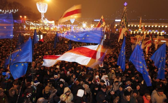 """""""Власть боится людей на улицах"""", - Лукашенко не разрешил проводить марш в честь Белорусской народной республики"""