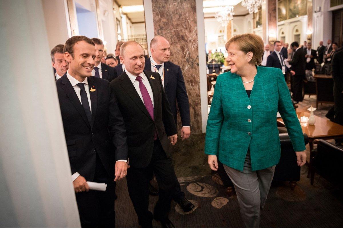 """""""Никакого компромисса по Донбассу от РФ до выборов в Германии не будет"""", - журналист рассказал, сколько Путин сделал, чтобы выбить из-под Меркель кресло канцлера"""