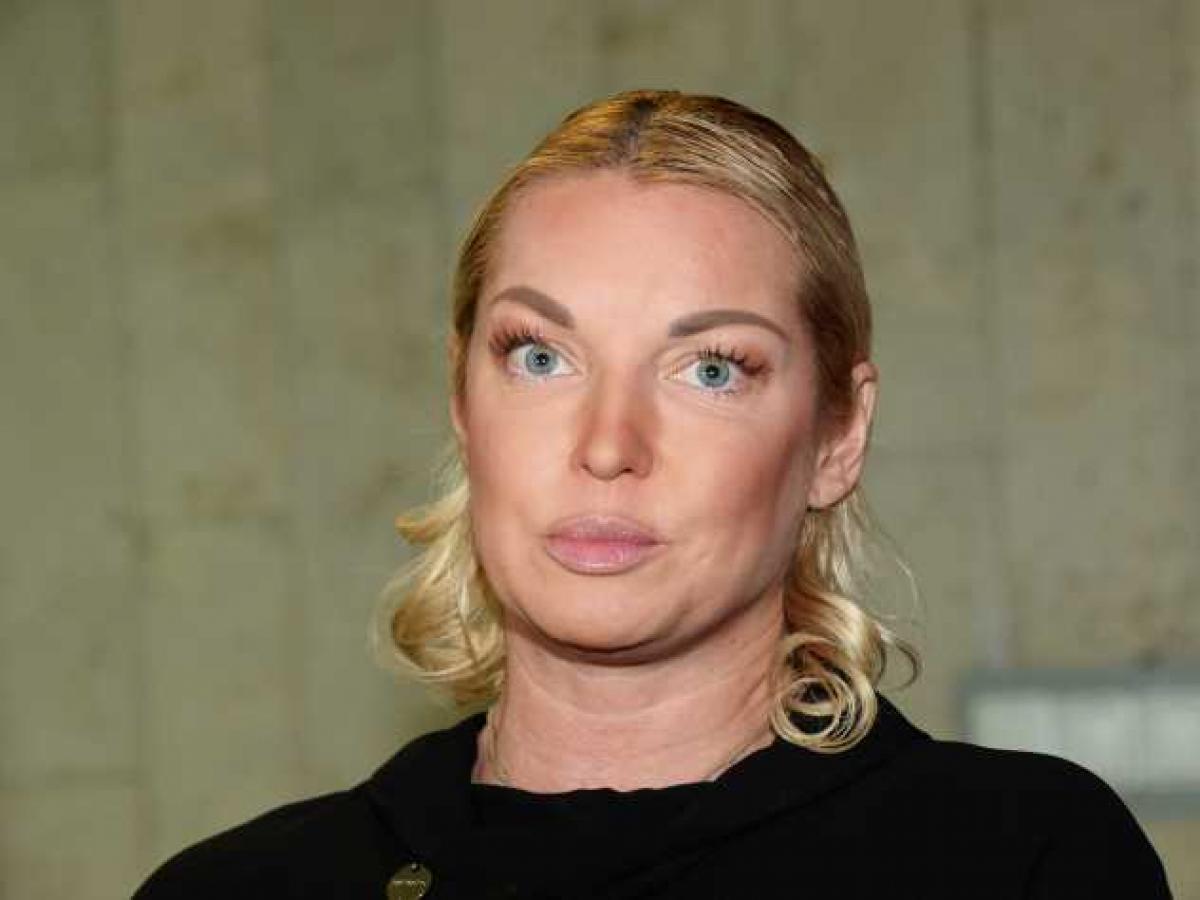 """Волочкова влипла в крупный скандал из-за вечеринки с сухим льдом: актриса в спешке """"чистит"""" соцсети"""