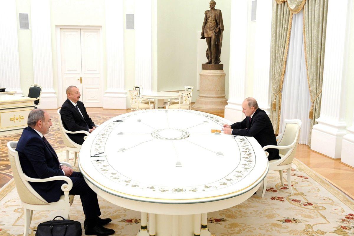 """В договоре по Карабаху заложена """"критическая уязвимость"""" - Кремль может в любой момент потерять влияние"""