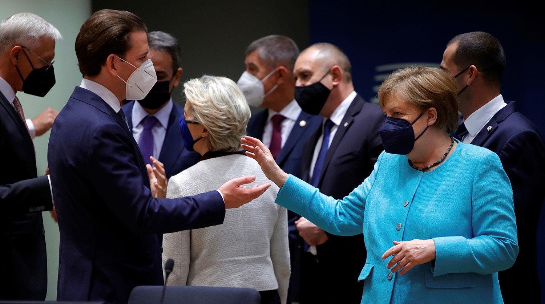Лидеры ЕС официально определили судьбу санкций против России
