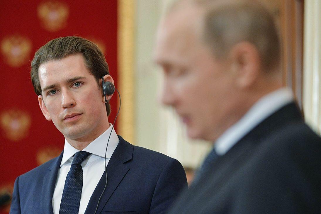 """""""От этой истории выигрывает Путин"""", - журналист о громкой отставке в Австрии канцлера Курца"""