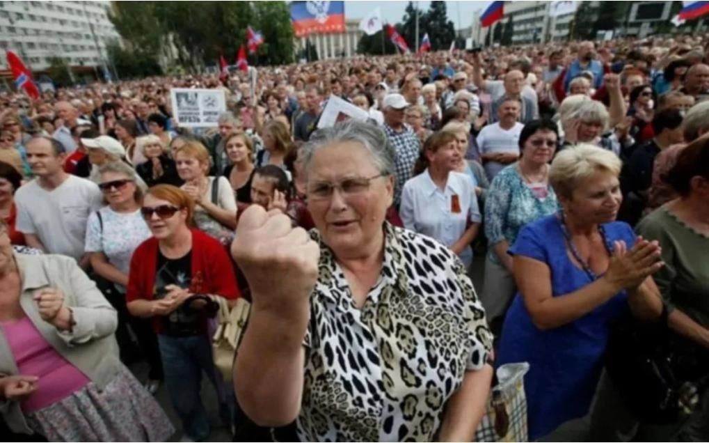 """""""Это просто уже крик, я офигел"""", – жители Донецка сравнили цены в Украине и ОРДЛО"""