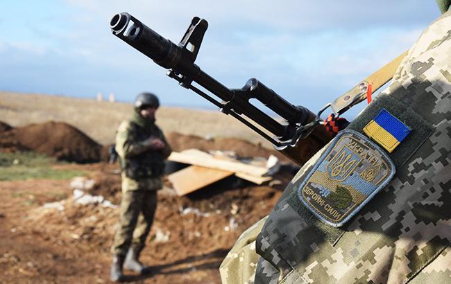 Противник попытался отнять освобожденное Петровское - от БМП врага остались одни обломки