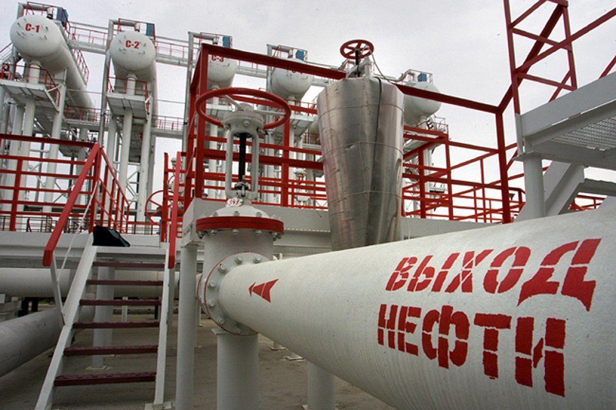 Россия прекратила поставки нефти в Беларусь из-за санкций США
