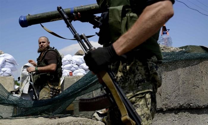 """У российских боевиков в оккупированном Донбассе появился новый повод для паники: стало известно, как Кремль теперь намерен скрывать присутствие """"отпусников"""" в Луганске и Донецке"""