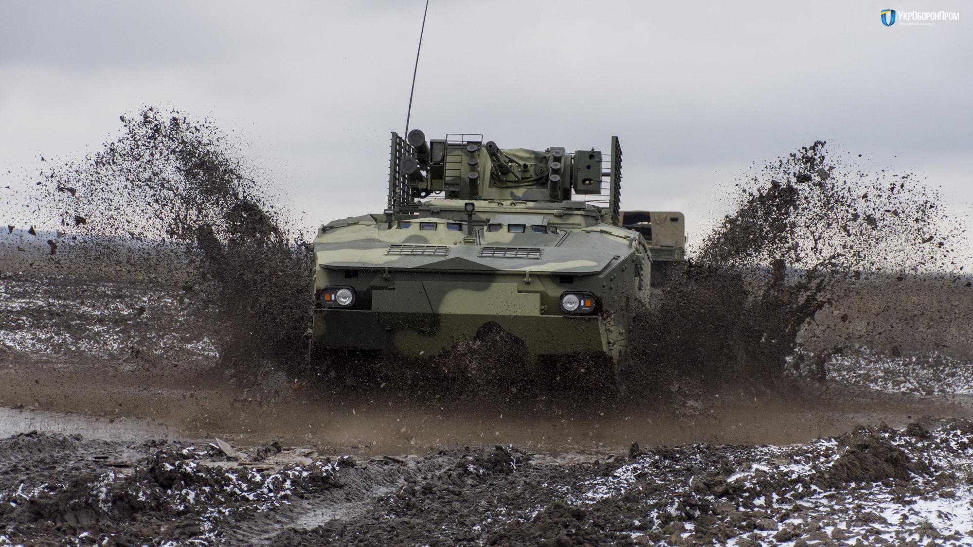 """В """"Укроборонпроме"""" показали видео испытаний нового украинского БТРа, созданного по стандартам НАТО, - кадры"""