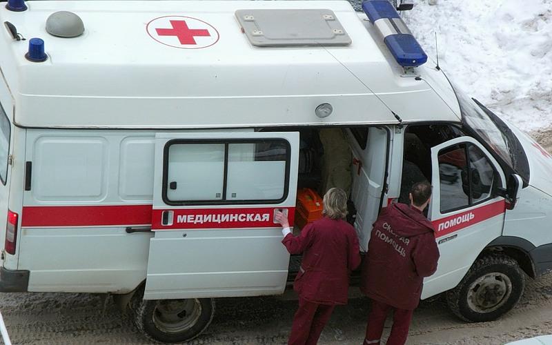 """""""Били детей ножами в голову"""", - в Перми неизвестные устроили резню в школе, СМИ сообщают о множестве раненых. Кадры"""