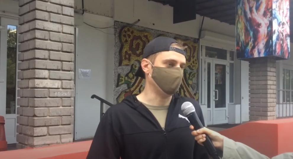 """Россиянин из Мариуполя рассказал, почему не носит украинскую вышиванку: """"Это в принципе неправильно"""""""