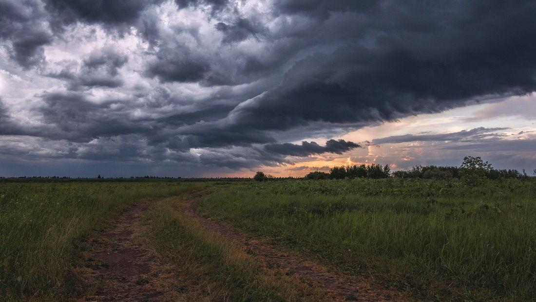 Погода в Украине: до конца июля страну ожидают две волны похолодания