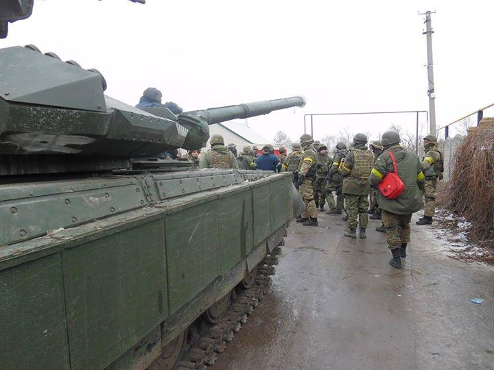 «Азов»: боевики обстреливают Широкино из «Градов»