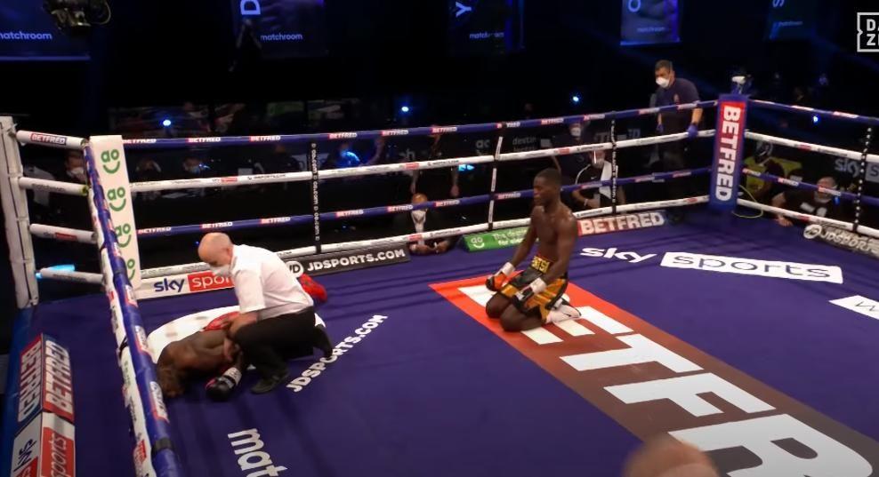 Джошуа Буатси отправил соперника в тяжелый нокаут: бой завершился уже в четвертом раунде