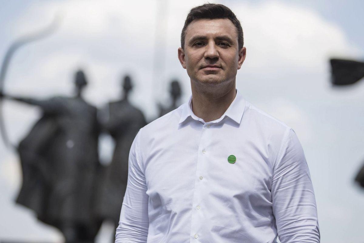 Тищенко после решения СНБО по Медведчуку запостил спорное фото Зеленского и через час его удалил