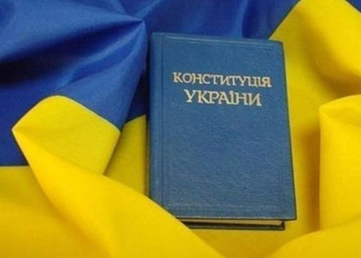 """""""Нужно менять Конституцию"""", - главный санврач Ляшко пояснил, зачем это Украине"""