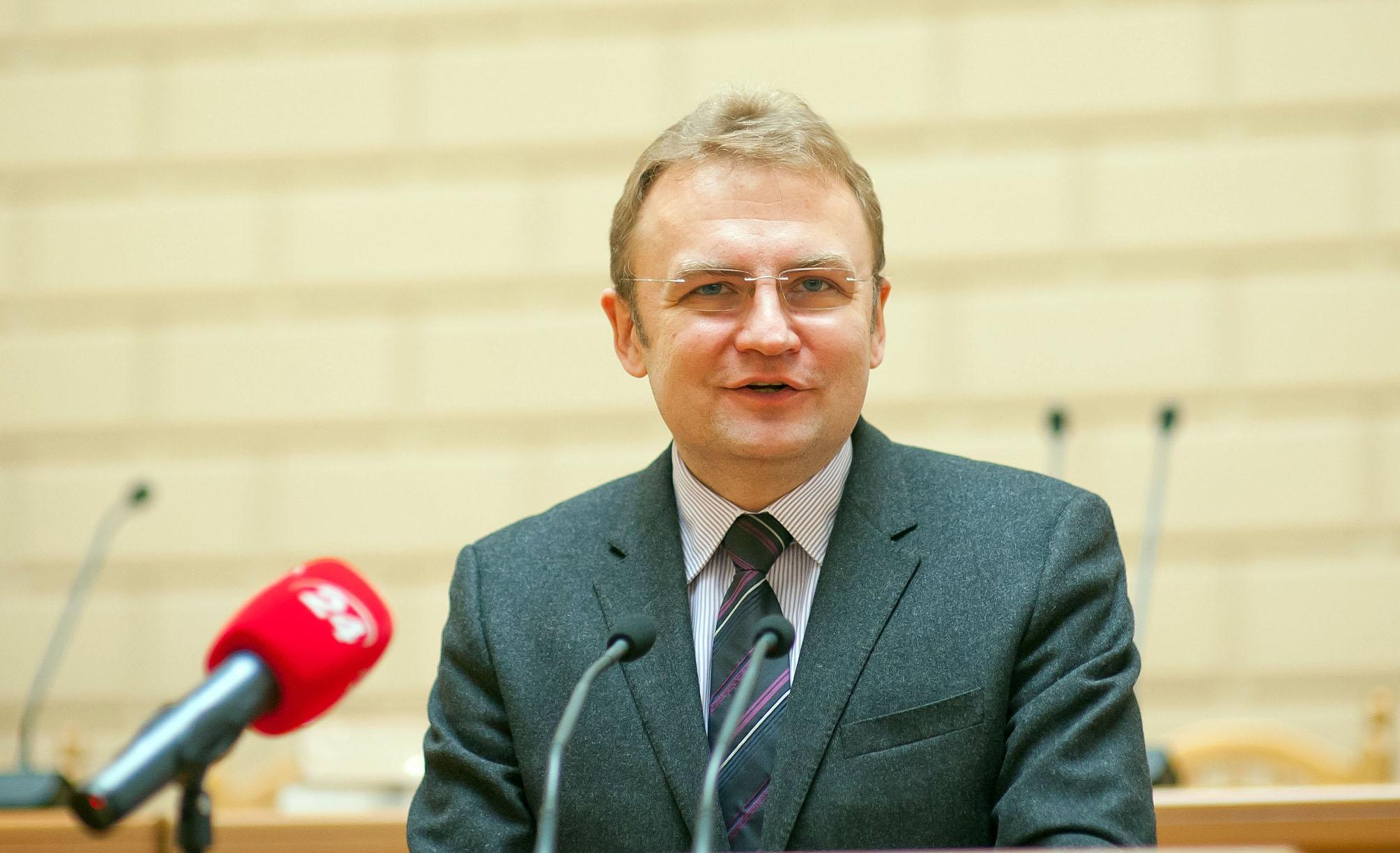 Садовый снял кандидатуру с выборов в пользу другого кандидата