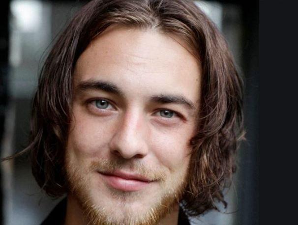 """26-летний Люк Уэстлейк из сериала """"Лютер"""" свел счеты с жизнью в своем доме"""
