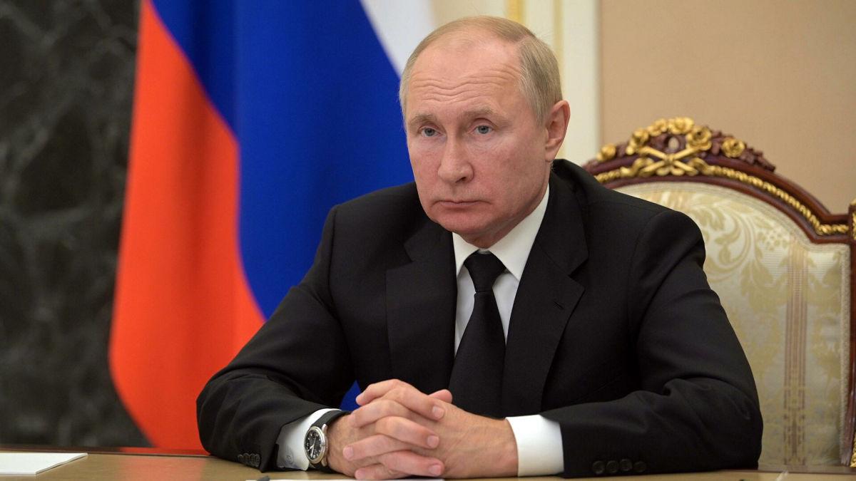 """Путин потребовал от """"Газпрома"""" не ставить Украину в трудное положение"""