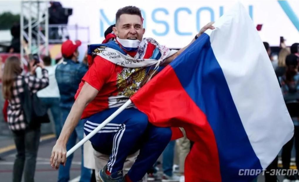 В фан-зоне Петербурга провели опрос о поддержке сборной Украины: появилась неожиданная реакция россиян
