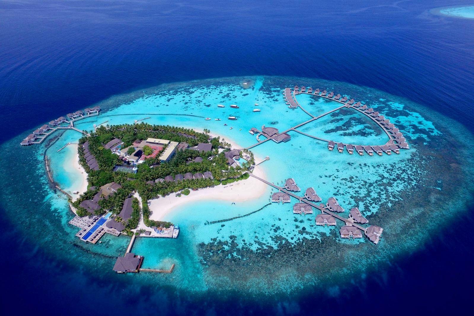 Мальдивы могут уйти под воду к 2100 году - власти островов просят мир о помощи