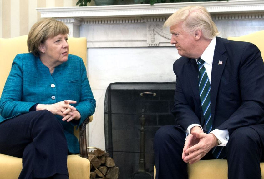 Деньги дороже демократии: СМИ узнали о планах Меркель просить Трампа об ослаблении санкций для России