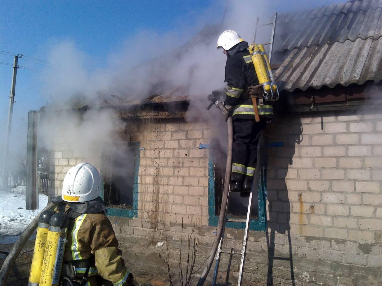 Сгорели заживо: в Кировоградской области на пожаре погибли оставленные матерью трое маленьких детей – появились первые кадры с места трагедии