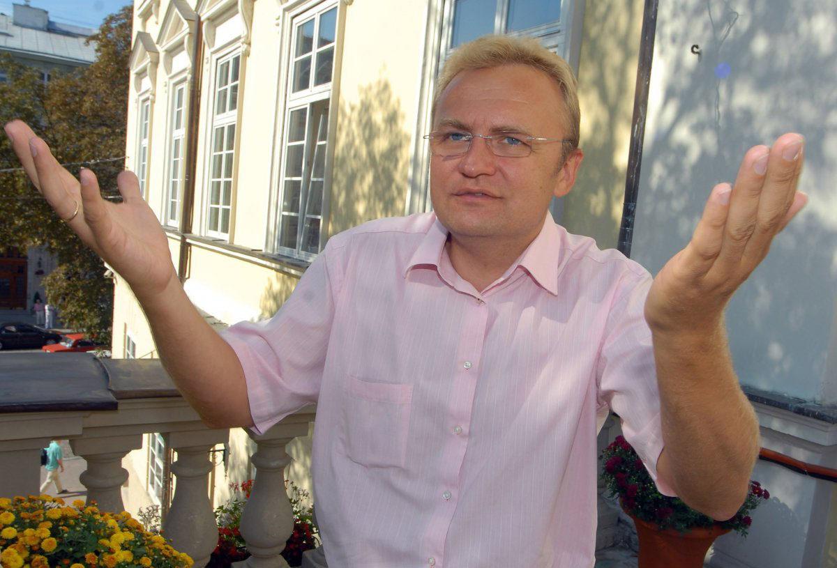 """""""Возможно, гарант Конституции заступится за львовян"""", - Садовой ответил Гройсману относительно проблемы с мусором во Львове"""