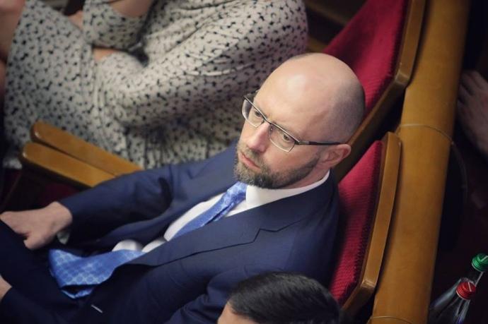 """Экс-премьер-министр Яценюк обратился к Дейдею и Полякову: """"Ребята, в этой жизни яйца надо иметь. Я ушел с должности премьера и живу как-то без неприкосновенности"""", - в Сети появились подробности закулисного разговора политиков"""
