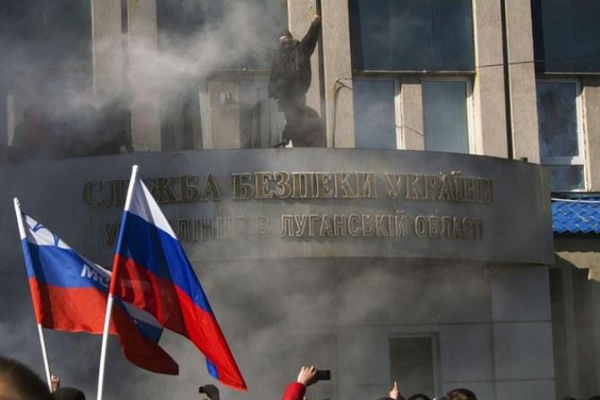 """""""По чеченской тактике: впереди шли женщины, старики и дети, а за ними – военные"""", - генерал СБУ рассказал, как в 2014-м в Луганске устроили """"русскую весну"""""""