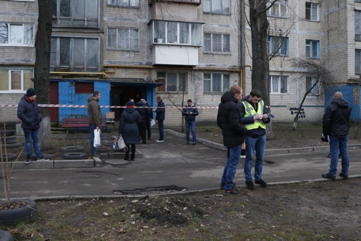 В Киеве в мешке найдено тело женщины: соседи рассказали, как в подвале оказалась погибшая