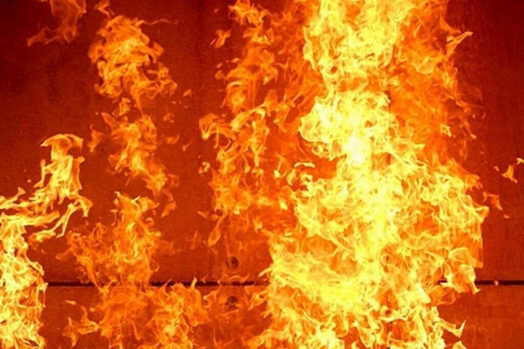 Погромы в Израиле: мятежники ночью атаковали театр в Акко - символ мира арабов и евреев подожгли