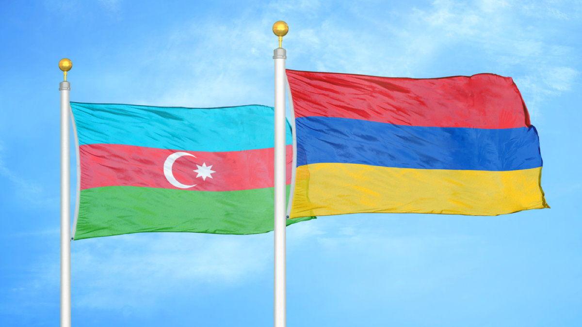 Новый конфликт на границе Армении и Азербайджана: стороны продолжают стрелять, несмотря на перемирие