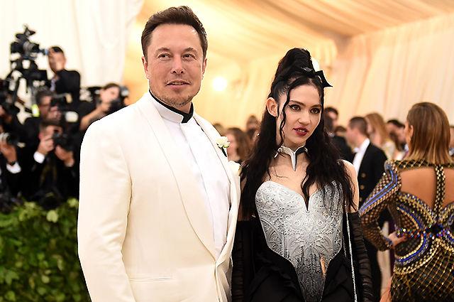 Илон Маск на руках с 9-месячным сыном показал, как совмещает отцовство и работу