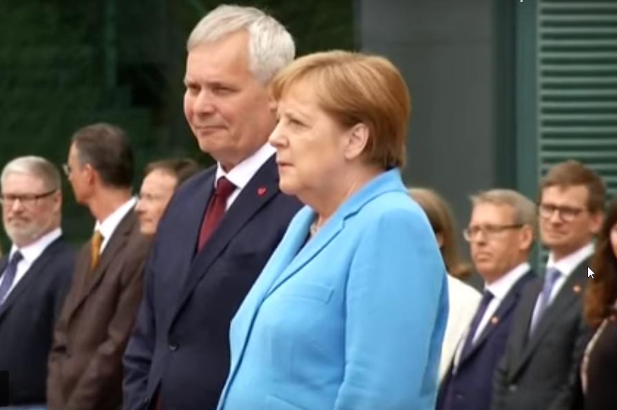 германия, ФРГ, меркель, болезнь, приступ, видео