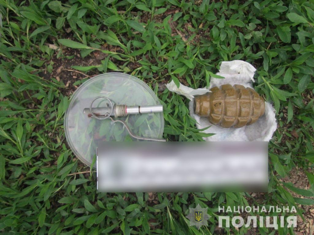 Под Киевом 36-летний ветеран АТО попрощался с родными и взорвал себя гранатой: первые кадры с места самоубийства