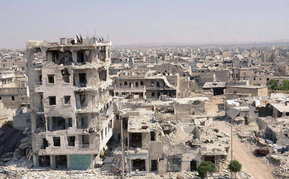 "Сирийские демократические силы при помощи США взяли в окружение боевиков ИГИЛ в ""столице халифата"" Ракке"